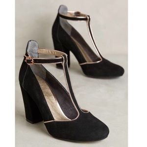 LIEN DO Clave T-Strap Heel in Black and Gold